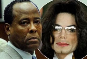 """Révélation: """"Michael Jackson portait des préservatifs pour l'empêcher de faire pipi au lit"""""""