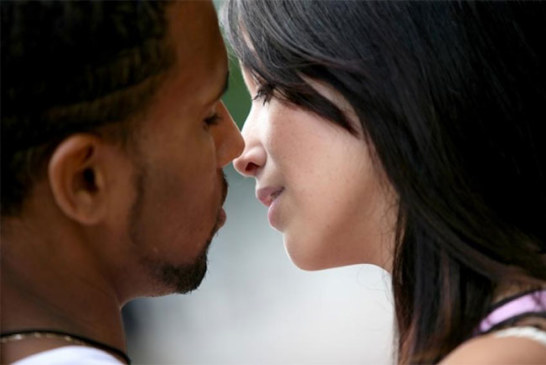 Pourquoi les hommes pensent plus au sexe que les femmes ?