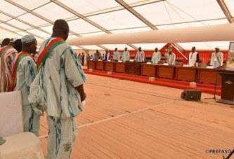 JNP: le président du Faso rend hommage aux enseignants de Comin-Yanga assassinés.
