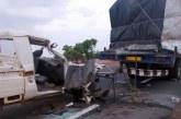 Centre Est: Violent accident entre un véhicule de la CRS et un camion remorque