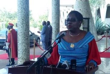 Grève du Syntsha : « le service minimum est assuré partout » (Claudine Lougué, ministre de la santé)