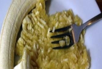 Un puissant remède à la banane et au miel pour se débarrasser de la toux