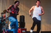 Mort de Johnny Clegg, le «zoulou blanc» qui combattait l'apartheid en chantant