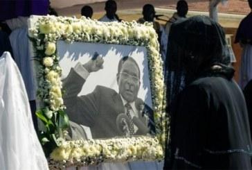 Mugabé, enterré dans un cercueil en acier sous une couche de béton !
