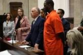 La déchéance du roi du R&B: R. Kelly accusé de détournement de mineurs est visé par un autre mandat d'arrêt