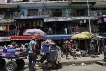 Ghana : des magasins tenus par des Nigérians fermés par des commerçants en colère