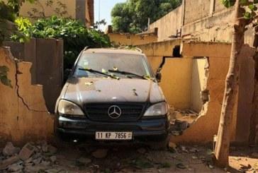 Un véhicule défonce le mur du Journal «Courrier confidentiel»