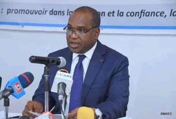 Réfugiés en grève Burkina : Alpha Barry hausse le ton