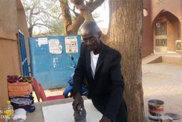 Centre multimédias de Dori:Mogambo, le gardien repasseur d'habits