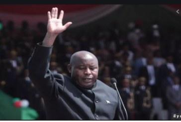 Au Burundi, Évariste Ndayishimiye prête serment et prend la tête de l'État