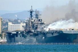 Etats-Unis : une explosion provoque un spectaculaire incendie à bord d'un navire militaire en Californie