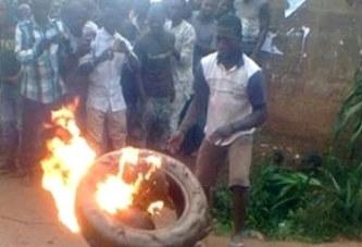Photos   Une femme soupçonnée d'être sorcière brûlée vive