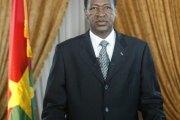 Blaise Compaoré invité par ses pairs à renoncer au pouvoir en 2015