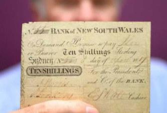 Le premier billet de banque d'Australie vendu plus de 220.000 euros