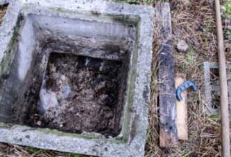 Le smartphone tombe dans une fosse septique: 2 morts