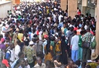 Burkina: un million de candidatures pour 12 300 emplois publics