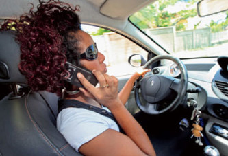 Côte d'Ivoire : Téléphoner au volant sera désormais contraventionné 10 mille FCFA