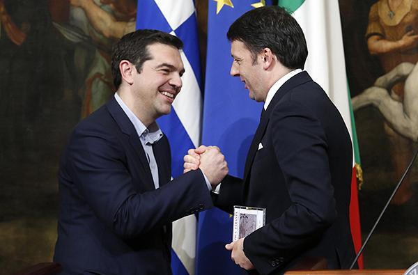 Ο Matteo Renzi απειλεί τον προϋπολογισμό με βέτο και η Ε.Ε. «ανησυχεί»