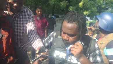 Photo of 2 personnes blessées par balle dont un journaliste, suite à une fusillade au parlement haïtien.