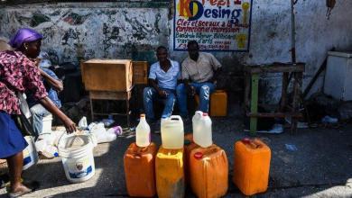 Photo of Des vendeurs sous les verrous de la police pour vente illégale de carburants sur la chaussée à Sain-Marc
