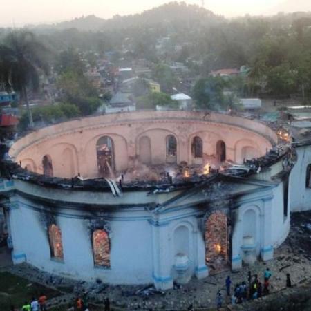 Milot (Nord) : incendie de l'église catholique de la commune