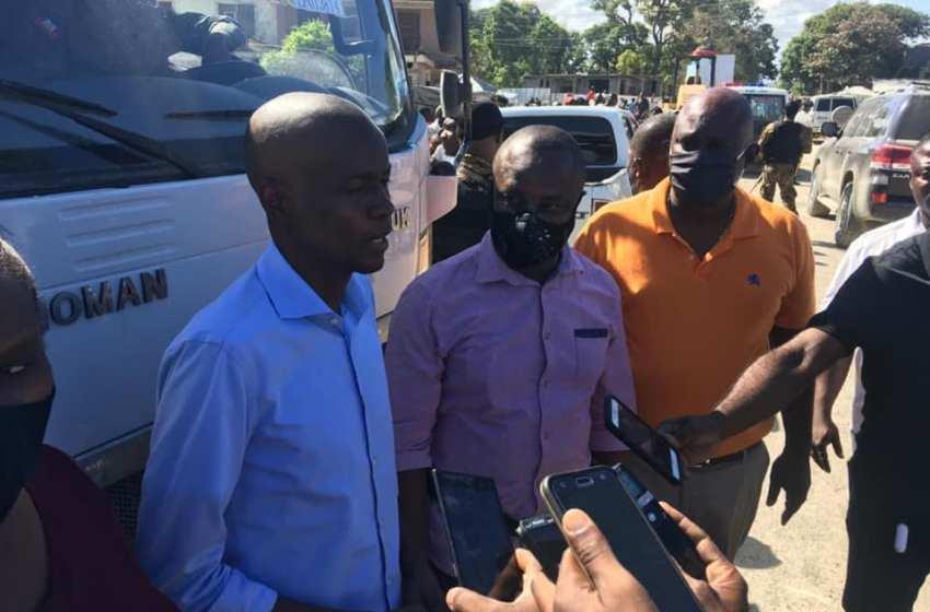 Ayiti-Aktyalite: Meri vil podepè, resevwa 3 kamyon ak yon bakolodè nan men SEM Jovenel Moïse