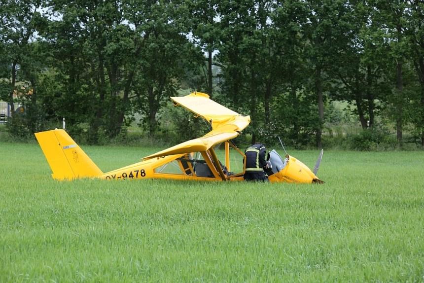 Dette fly styrtede mandag ned ved Regstrup. Foto: Michael Johannessen.