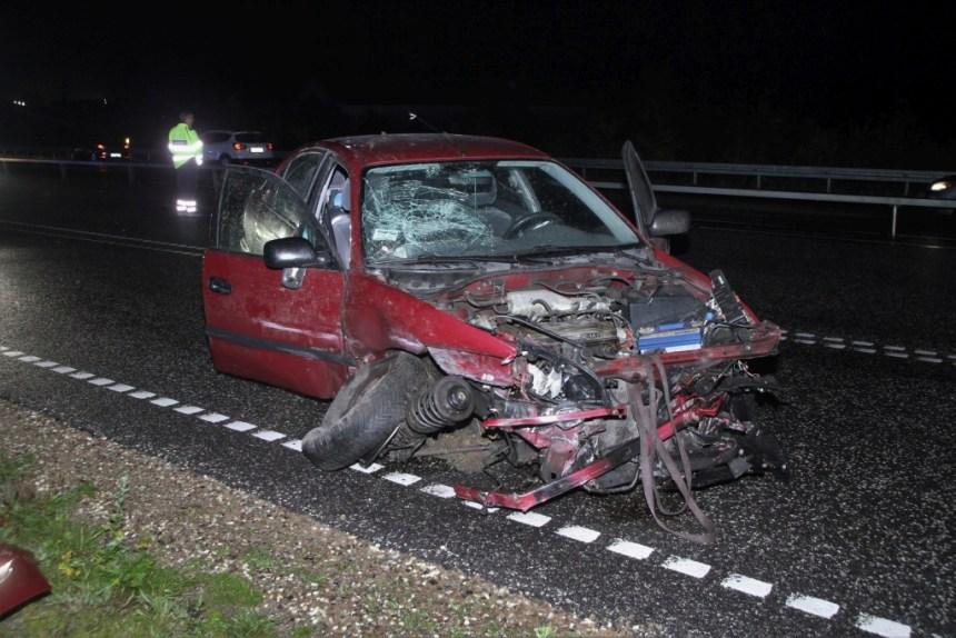 En 68-årig mand er blevet sigtet for spirituskørsel efter han kørte galt i denne bil. Foto: Morten Sundgaard - Skadestedsfotograf.dk