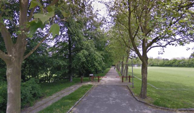 Indgang til Elverparken ved Snehvidevej. Foto: Google Streetview.