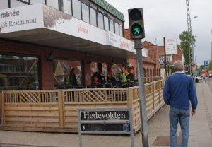 Beredskabet var klar ved Restaurant Sömine i Hedehusene. Foto: Henry/112-taastrup.dk
