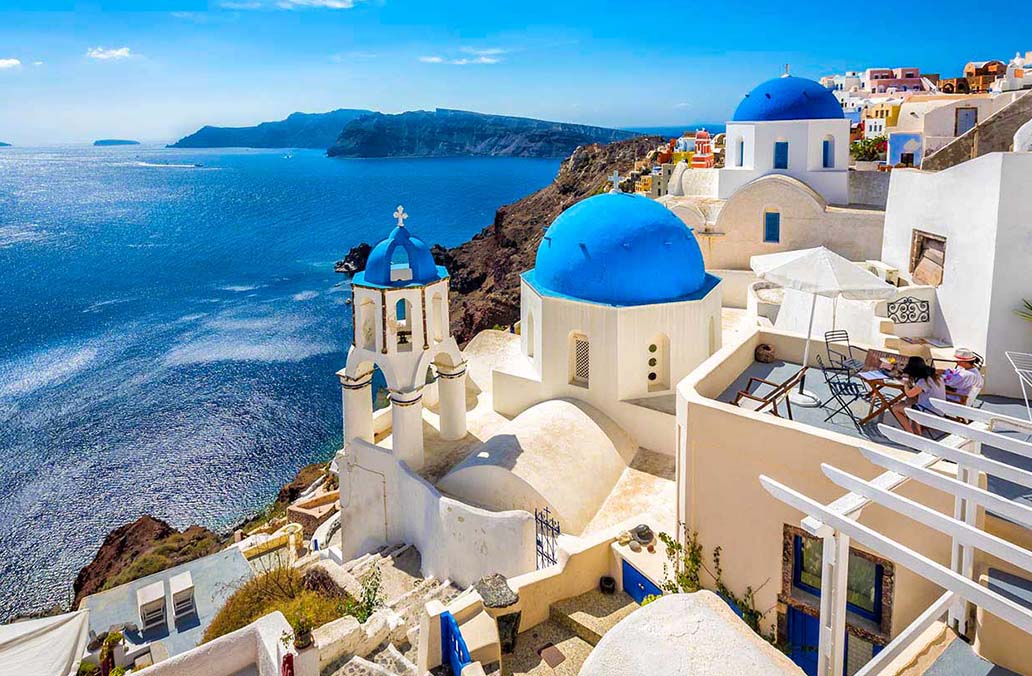 Greek islands embarks on domestic tourism