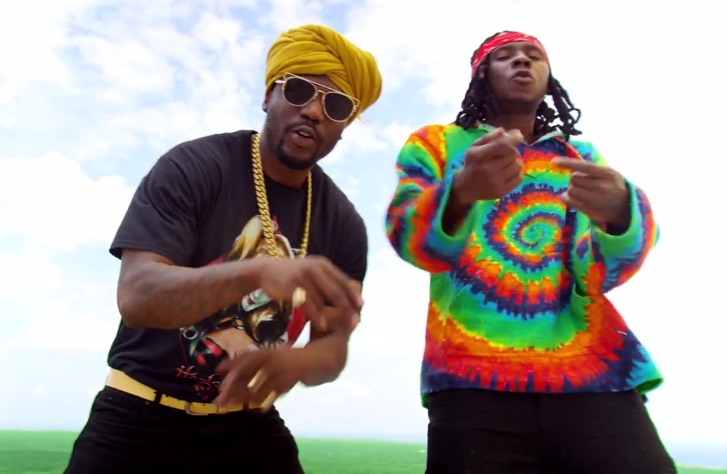 R2Bees sign deal with Universal Music Group, delays new album