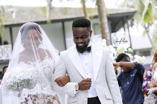 Sarkodie weds longtime girlfriend Tracy (Photos+ Video)