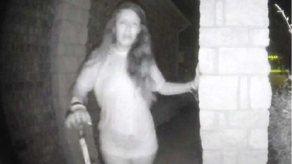 Texas police search for mystery woman ringing doorbell
