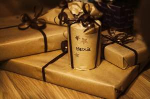 gifts-932349_640