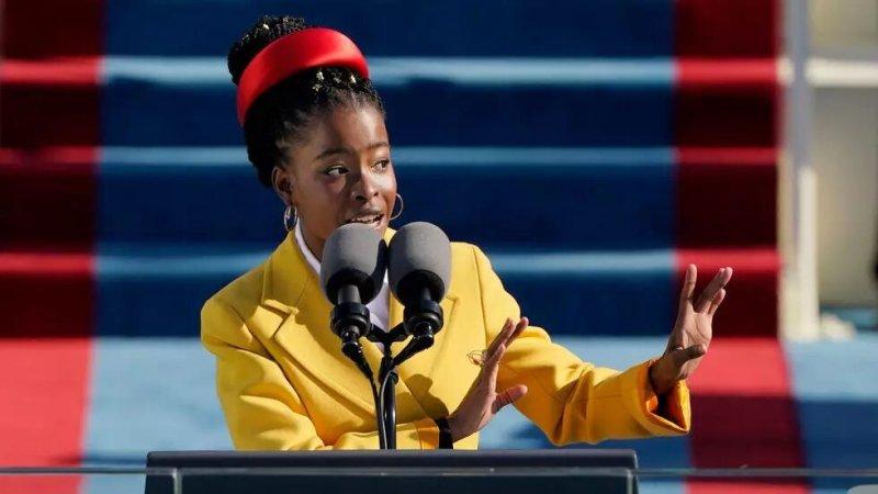 La jeune poétesse afro-américaine vole la vedette à Joe Biden