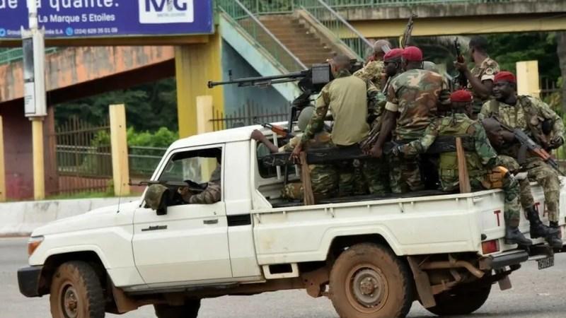 Coup d'État en Guinée: les pays voisins restent silencieux, un sommet de la Cédéao mercredi