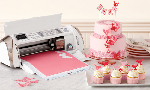 Cricut Cake Brings Electronic Craft To Edible Materials