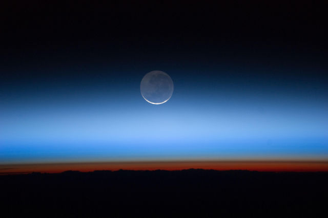 amazing_photos_of_earth_taken_from_outer_space_640_16
