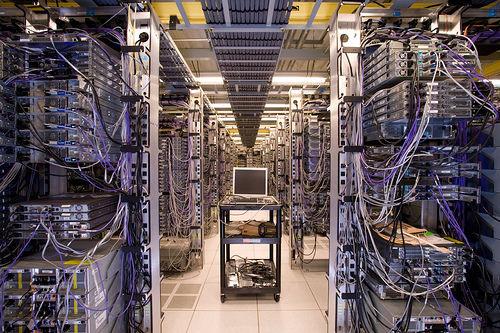 20121018-2ch_data_center-01