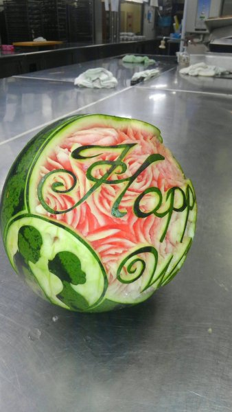 carving_watermelon2