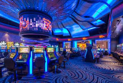 Casino 360° immerses players in ribbons of pulsating lights, sounds and music. Hit a jackpot and the room explodes with celebration – lights, music and your name 'tweeted' to WinStar World followers and on the jumbo screens