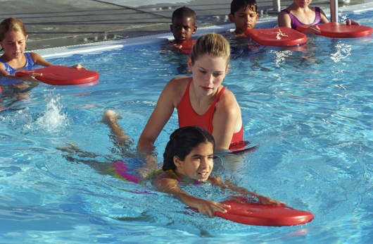 red cross ke course swimming training