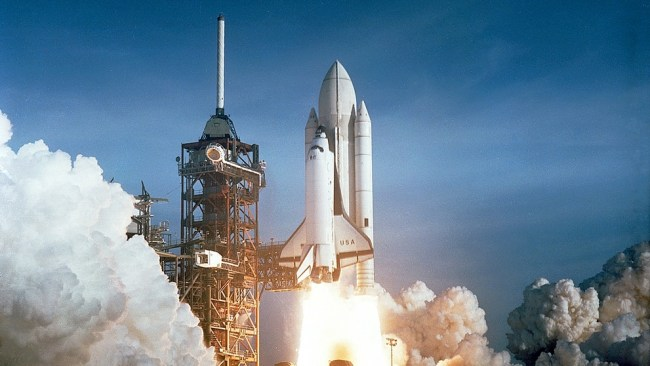 Columbia space shuttle in hindi, columbia kese, kalpana chawla disaster, essay on columbia disaster in hindi, columbia disaster in hindi