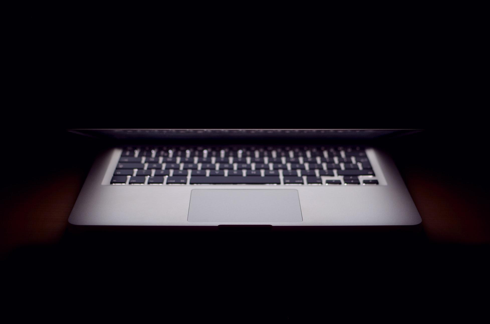 Haine en ligne, un nouveau rempart