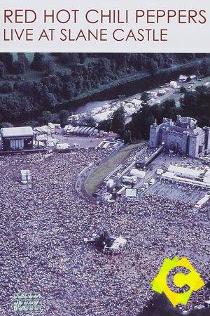 Red Hot Chili Peppers - Live At Slane Castle. un esenario de concierto visto desde el cielo