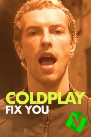 Primer plano del cantante de Coldplay, Chris Martin. Cantando por las calles de Londres
