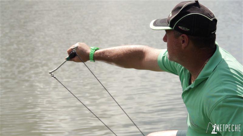 pêche à l'anglaise au flotteur coulissant amorcage fronde