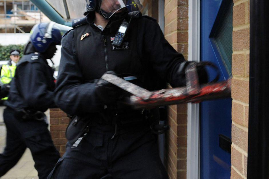 police-drugs-raid
