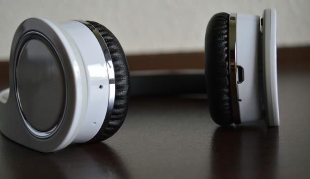 V7 Headset